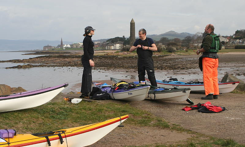 Getting ready to put on at Largs Yacht Haven. Photo: Andy Waddington